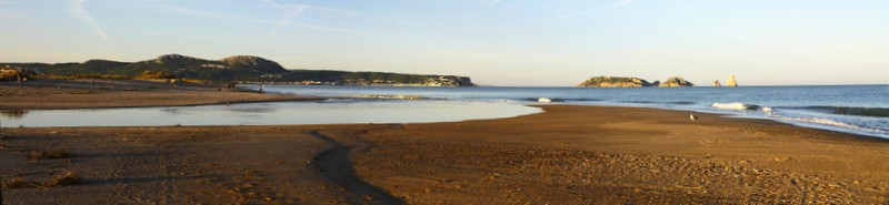 Playa de Pals, la plage, embouchure des basses d'en coll