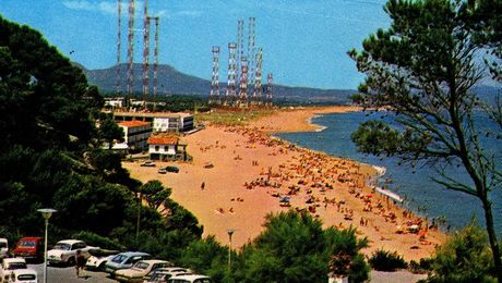 Radio liberty playa de Pals - démolition des antennes de Radio Liberty