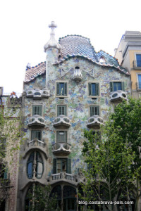 Casa Battlo Gaudi Barcelone facade