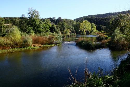 visiter Besalu- la rivière fluvia