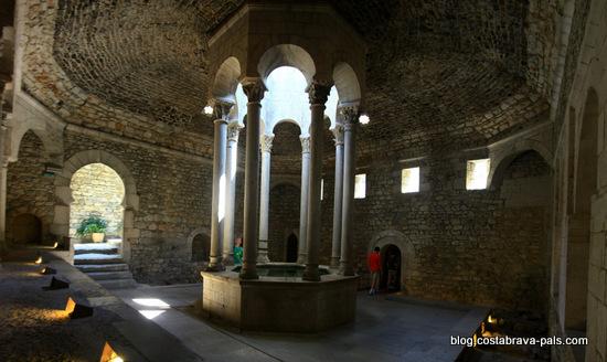 Une journée à Gérone : les bains arabes
