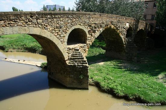 Vic -Le pont Queralt