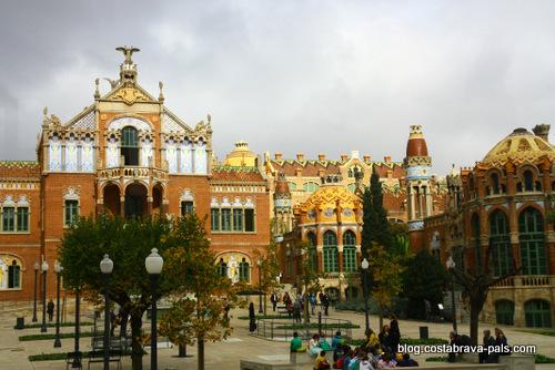 Barcelone en 1 jour, hopital Santa Pau