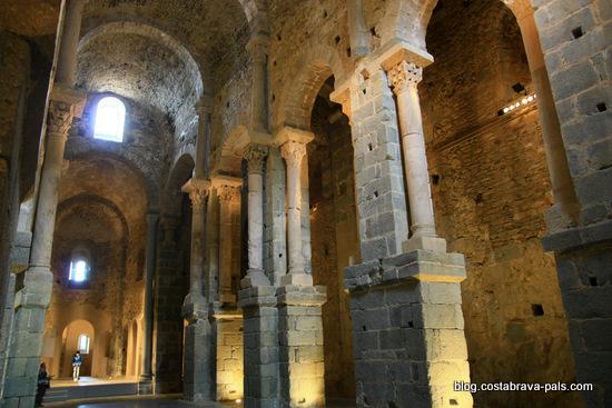 Monastère de Sant Pere de Rodes - nef église