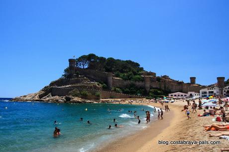 visiter Tossa de Mar espagne costa brava la plage
