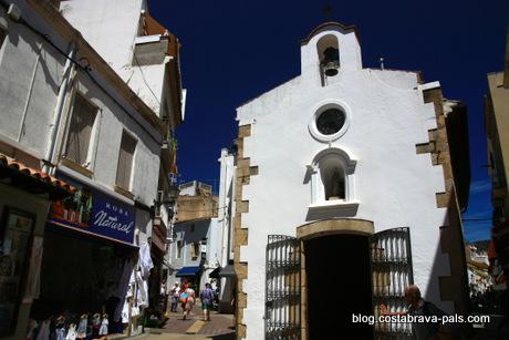 visiter Tossa de Mar espagne costa brava chapelle Notre-Dame de Bon Secours
