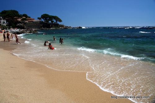 plage à Calella de Palafrugell