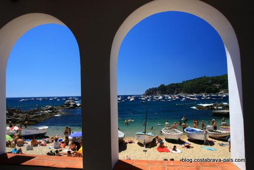 plage à Calella de Palafrugell port bo