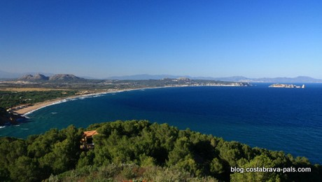 belvéderes de Begur - Redécouvrir la Costa Brava, au loin des iles medes