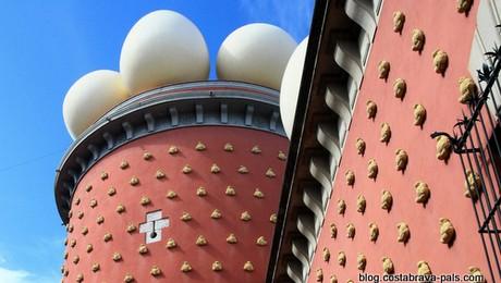 Symboles de Dali sur la Costa Brava