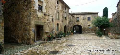 village de la Pera : Pubol