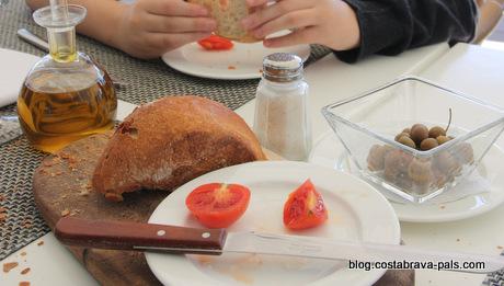 saveurs de la Costa Brava - pain à la tomate