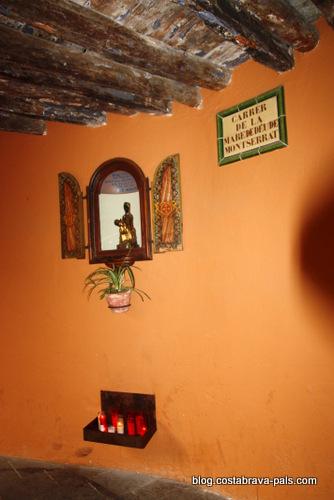 Visiter la Bisbal d'Emporda - vierge de montserrat