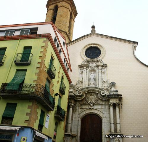 Visiter la Bisbal d'Emporda - église santa maria
