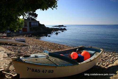 Redécouvrir la Costa Brava - barque de pêcheur