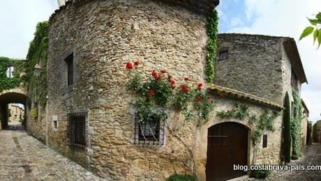Peratallada Costa Brava espagne - le charme du village mediéval