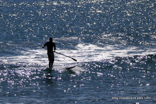 Que faire à Empuriabrava? du paddle, du windsurf ou du jetski