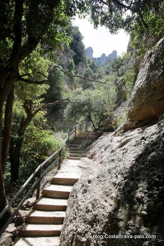 randonnée à Montserrat - les escaliers