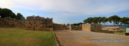 Ruines d'Empuries - la muraille grecque