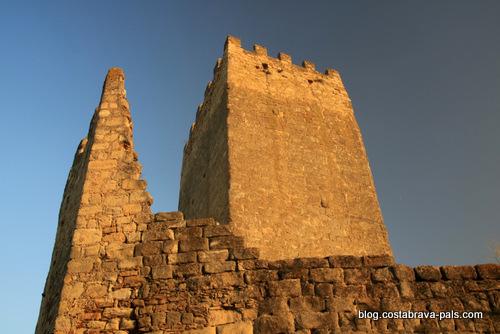 peratallada, la tour de l'hommage