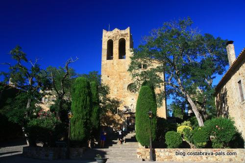 village de Pals espagne - l'eglise sant pere