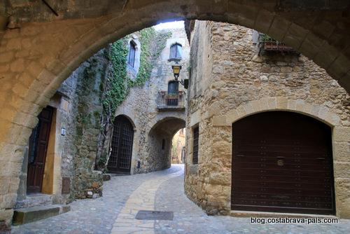 village médiéval de Pals en Espagne - villages en arrière pays de la costa Brava