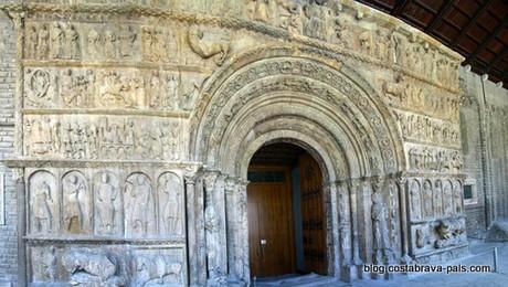 monastère de Ripol, le portail