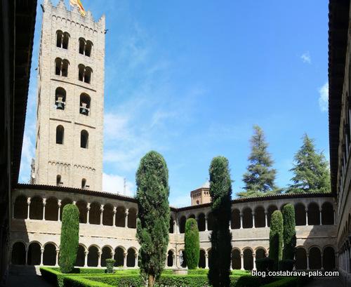 monastère de Ripoll le cloitre