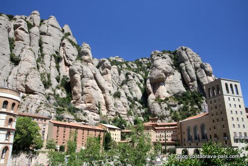Visiter le monastère de Montserrat - les rochers