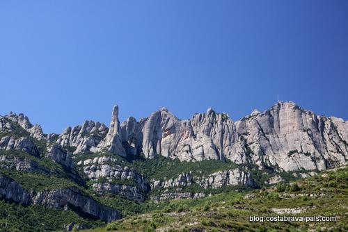 Visiter le monastère de Montserrat - la vue du massif