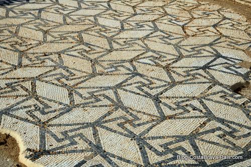 Visiter Empuries - mosaique villa romaine