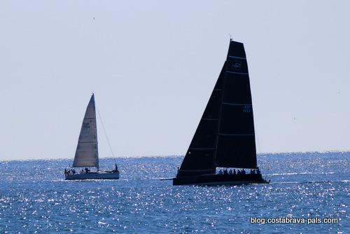 Les sports nautiques sur la Costa Brava, voile