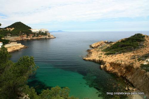 Chemin de ronde à Begur entre Sa Riera et Sa Tuna