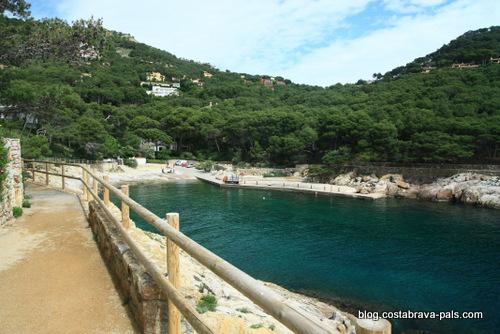 Aiguafreda - Chemin de ronde à Begur entre Sa Riera et Sa Tuna