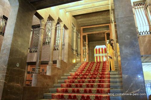 palais Guell à Barcelone - Palau Guell - rez de chaussée escalier